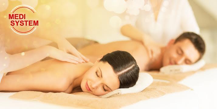 Μόνο 25€ από 100€ (-75%) για ένα Full Body Massage για ένα (1) ζευγάρι συνολικής διάρκειας 65', με αιθέρια έλαια ή κρέμα ευκαλύπτου ή σοκολατοθεραπεία!!! Το μασάζ πραγματοποιείται ταυτόχρονα στο ίδιο δωμάτιο! Προσφορά από τον ολοκαίνουργιο χώρο αναζωογόνησης και ευεξίας Medisystem Γλυφάδας!! εικόνα