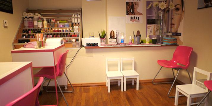 18€ από 40€ (-55%) για μια Φυσική Ενίσχυση Νυχιών με Gel (απλό), στα Chic Nails στην Αρτέμιδα.