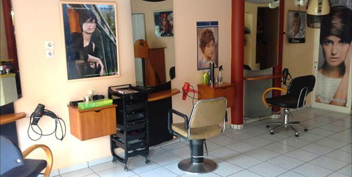 20€ από 45€ (-56%)  για ένα (1)  Χτένισμα με επιλογή από Ίσιο ή Μπούκλες, ένα (1) Ημιμόνιμο ή Spa Manicure ΚΑΙ ένα (1) Pedicure με απλή βαφή, από το Beauty Salon στο Χαλάνδρι.