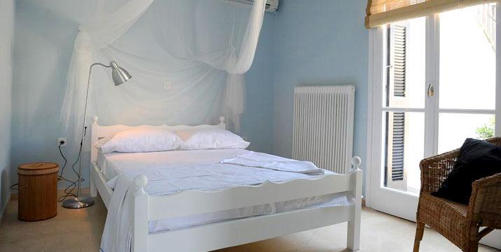 59€ για 2 Διανυκτερεύσεις 2 ατόμων σε διαμέρισμα δίπλα στην θάλσσα, στο Villa Korthi στην Άνδρο.