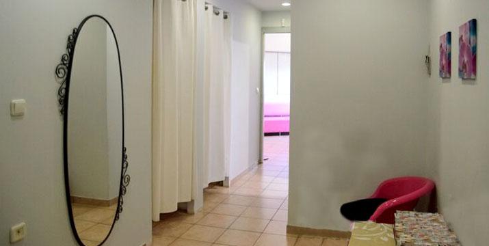 Μόνο 15€ από 70€ (-82%) για ένα υπέροχο αναζωογονητικό Antistress Full body spa-massage για 1 άτομο με θεραπεία χρυσού ή αντιοξειδωτική σοκολατοθεραπεία διάρκειας 50' ή 25€ από 140€ για 2 άτομα σε κοινό χώρο από το Chic & Beauty Med Spa, στο Περιστέρι πλησίον Μετρό Αγ. Αντωνίου.