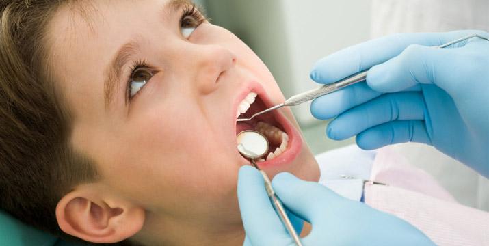 19€ από 60€ (-67%) για έναν Πλήρη Κλινικό Στοματικό Έλεγχο, Καθαρισμό Δοντιών με Υπερήχους και Φθορίωση για Παιδιά άνω των 3 Ετών, από το Οδοντιατρικό Κέντρο Αμπελοκήπων , πλησίον σταθμό Μετρό Αμπελόκηποι. εικόνα