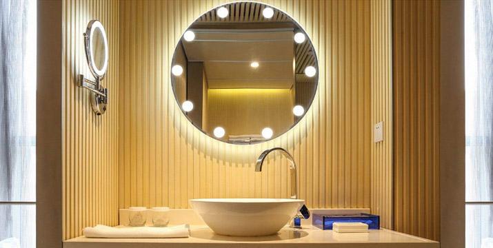 """19,90€ από 29,90€ για έναν Αυτοκόλλητο Usb Led Φωτισμό Καθρέπτη με 10 λάμπες, με παραλαβή ή δυνατότητα πανελλαδικής αποστολής στο χώρο σας από το """"Idea Hellas"""" στη Νέα Ιωνία. εικόνα"""