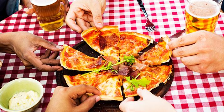 10,90€ από 16€ για 1 Πίτσα ελεύθερης επιλογής από τον κατάλογο (Μαργαρίτα, Πεπερόνι, Κοτόπουλο, Special, Προσούτο) και 2 ποτήρια Μπύρας Fix 250ml, από το Gatoh Patisserie & Cafe στην Αργυρούπολη. εικόνα