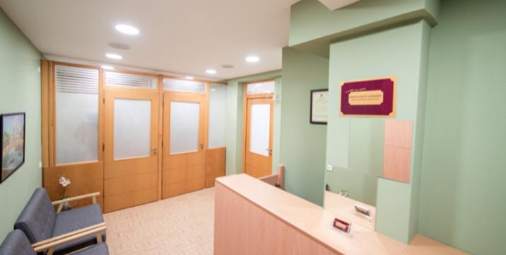 49€ από 250€ (-80%) για Θεραπείες για τα Μαλλιά για άνδρες και  γυναίκες: PRP Μεσοθεραπεία & Hair Regrowth Laser, στο Ιατρείο Deka Plastic Surgery στο Σύνταγμα.