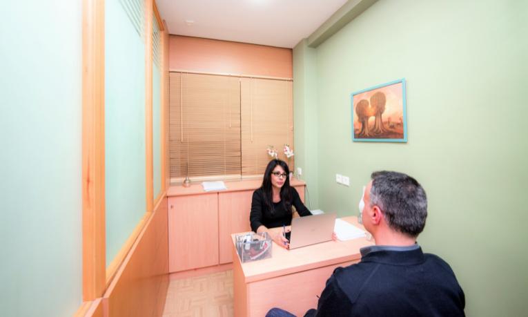19€ από 99€ για Hydro-Dermabrasion Προσώπου+Φωτοθεραπεία+Μάσκα PDT για άνδρες και γυναίκες, στο Ιατρείο Deka Plastic Surgery στο Σύνταγμα.
