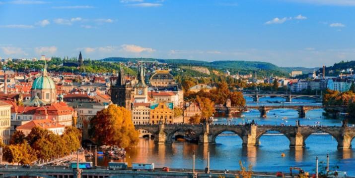299€ / άτομο για ένα 4ήμερο στη Πράγα με Αεροπορικά, Φόρους, Μεταφορές από/προς Αεροδρόμιο και 3 Διανυκτερεύσεις με Πρωϊνό στο 4* Ξενοδοχείο Luxury Family Hotel Bílá Labut, από το ταξιδιωτικό γραφείο Like 2 Travel.