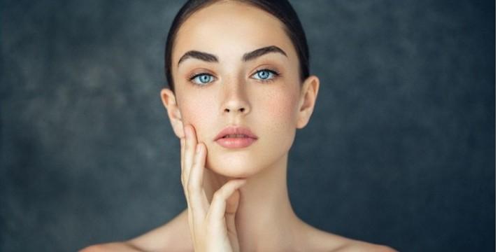 Από 11€ για Κρυοθεραπεία Προσώπου κατά των ρυτίδων & της χαλάρωσης και Φωτοανάπλαση για την καταπολέμηση πανάδων, κηλίδων γήρανσης, ακμής & ρυτίδων για κάθε τύπο δέρματος, από το Ινστιτούτο Αισθητικής Venus Style στο κέντρο της Αθήνας, δίπλα στο σταθμό Βικτώρια. εικόνα