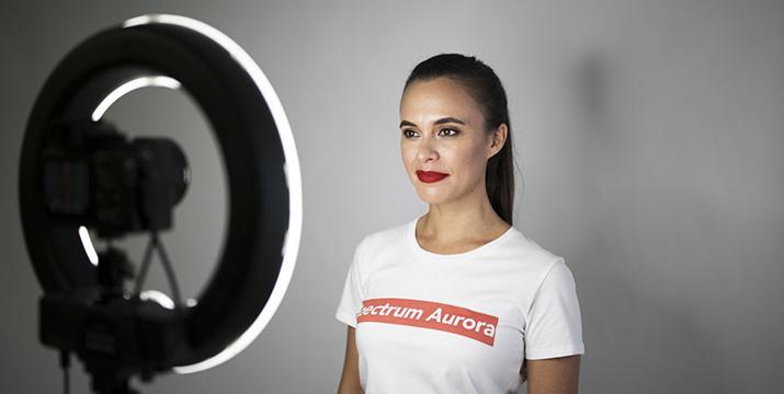 25,50€ από 75€ (-66%) για ένα Φωτιστικό LED δαχτυλίδι 25,5cm με dimmer, τρίποδο και επιλογή 3 χρωμάτων, ιδανικό για επαγγελματίες αισθητικής ιατρικής, αισθητικούς, make-up artists καθώς και λάτρεις της φωτογράφισης, με παραλαβή από το Idea Hellas στη Νέα Ιωνία και με δυνατότητα πανελλαδικής αποστολής στο χώρο σας. εικόνα